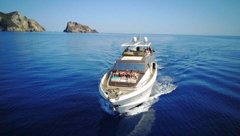 Noleggio-yacht-ponza-prime-suncat